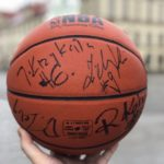 Piłka z podpisami legend Śląska sprzedana za 2500 PLN