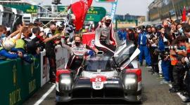 Toyota TS050 Hybrid na emeryturze. Prześwietlamy legendę Le Mans LIFESTYLE, Sport - Cztery sezony, trzy zwycięstwa w Le Mans, po dwa tytuły mistrzowskie w kategorii kierowców i zespołów - model TS050 Hybrid, który przez ten czas reprezentował barwy Toyota Gazoo Racing, przechodzi do historii jako najbardziej udany japoński prototyp w wyścigach długodystansowych.
